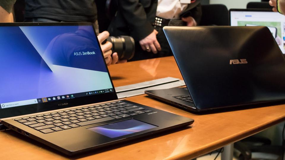 asus zenbook pro 14 ux480 and zenbook pro 15 ux580 first look review 1 - ایسوس دو لپ تاپ از سری ZenBook رونمایی کرد