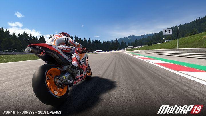570365812 - تماشا کنید: بازی موتورسواری MotoGP 19 معرفی شد