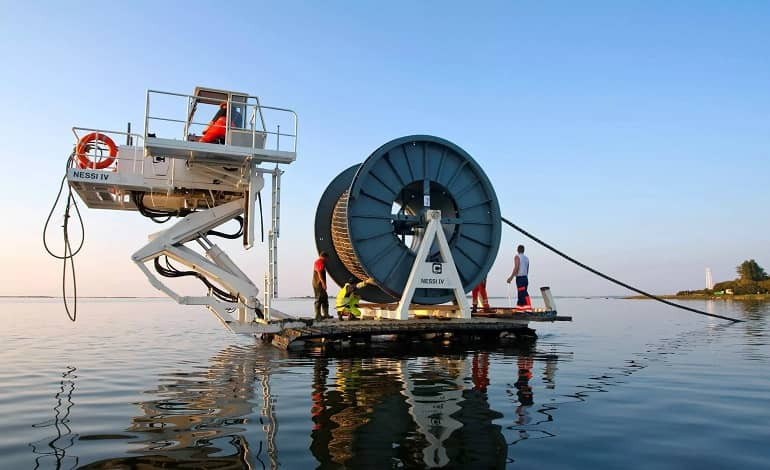 2021 08 16 image 6 j 1 - همکاری گوگل و فیسبوک برای احداث کابل زیردریایی در جهت اتصال اینترنت آسیا و اقیانوسیه