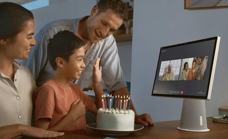 hp chromebase aio family video chat - رونمایی اچ پی از دستگاه های جدید مبتنی بر کروم اواس