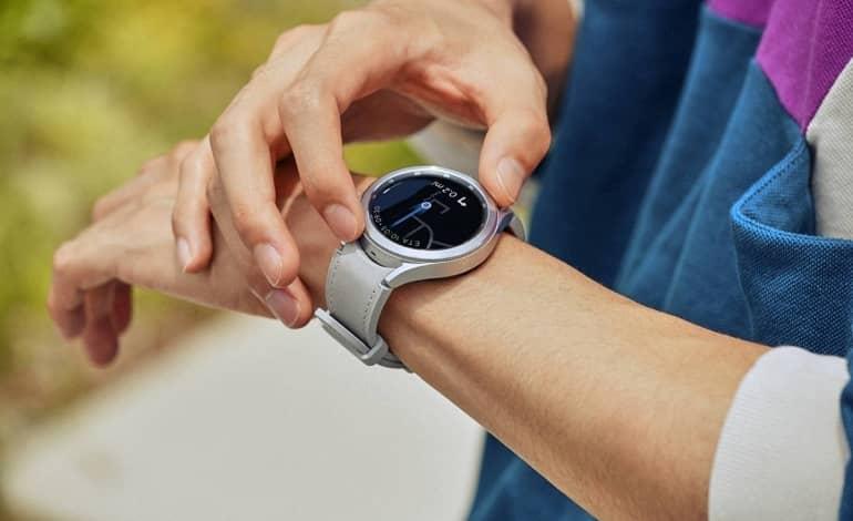 samsung galaxy watch 4 classic 2 - گلکسی واچ 4 و واچ 4 کلاسیک اپلیکیشن WalkieTalkie را دریافت کرد