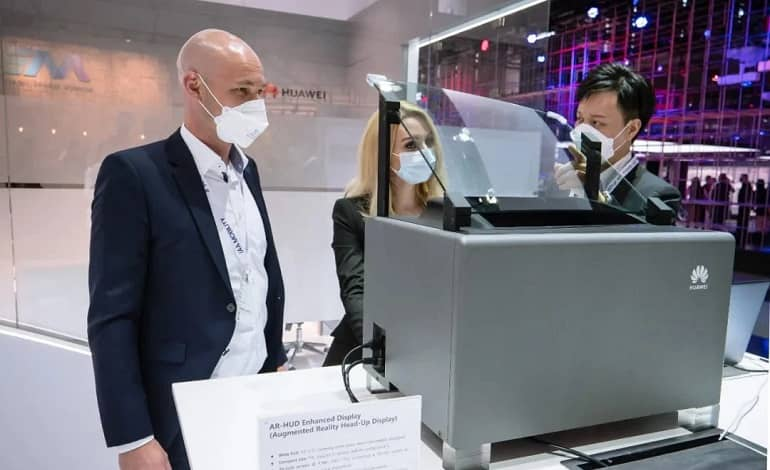 76372e30 c057 4c39 9529 481b5058f522 - فناوری جدید AR HUD هواوی برای تبدیل جلوپنجره خودرو به نمایشگر هوشمند
