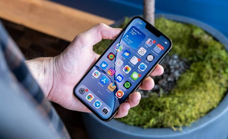 iphone 13 pro and pro max review 2 - بررسی آیفون 13 پرو و پرو مکس